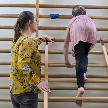 Kinderfysiotherapie Breda, Ginneken, spelen, klauteren, klimmen, grote motoriek